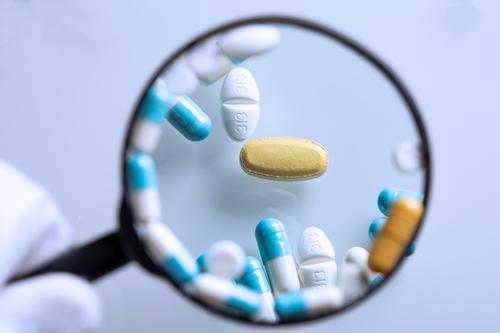 Farmaci contraffatti: a che cosa fare attenzione