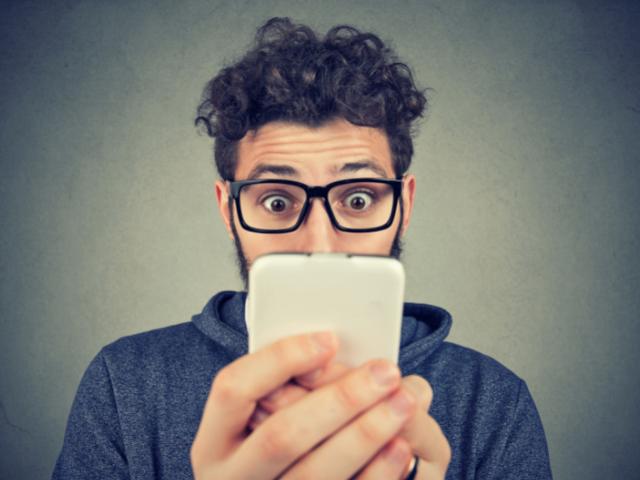 Spese non richieste: 9 centesimi per ogni pagina visitata da smartphone